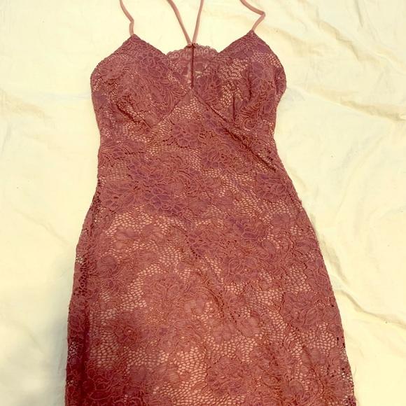 Windsor Dresses & Skirts - Short maroon homecoming dress